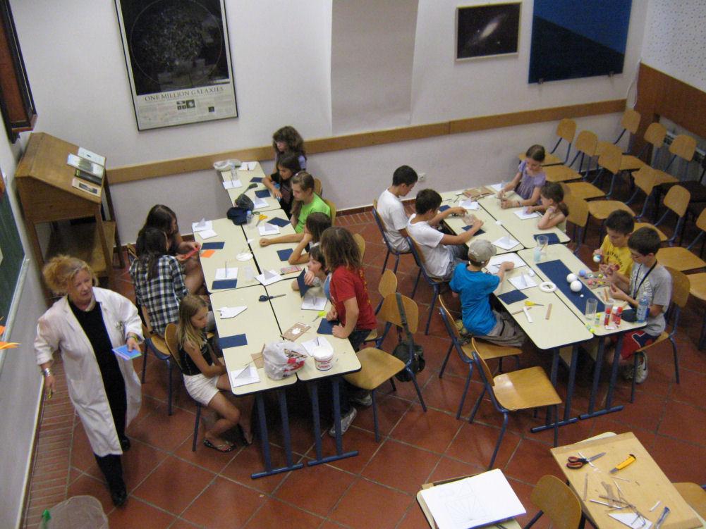 http://www.zvjezdarnica.hr/images/stories/edukacija/radionice/ljet_astron_radion_zvj_29-vi-2011_guk_8.jpg